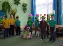 Dzieci z oddziału VI pod opieką Pani Beatki witają Wiosnę.