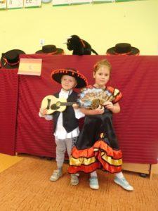 Tydzień hiszpański u Misiów, Kotków i Motyli
